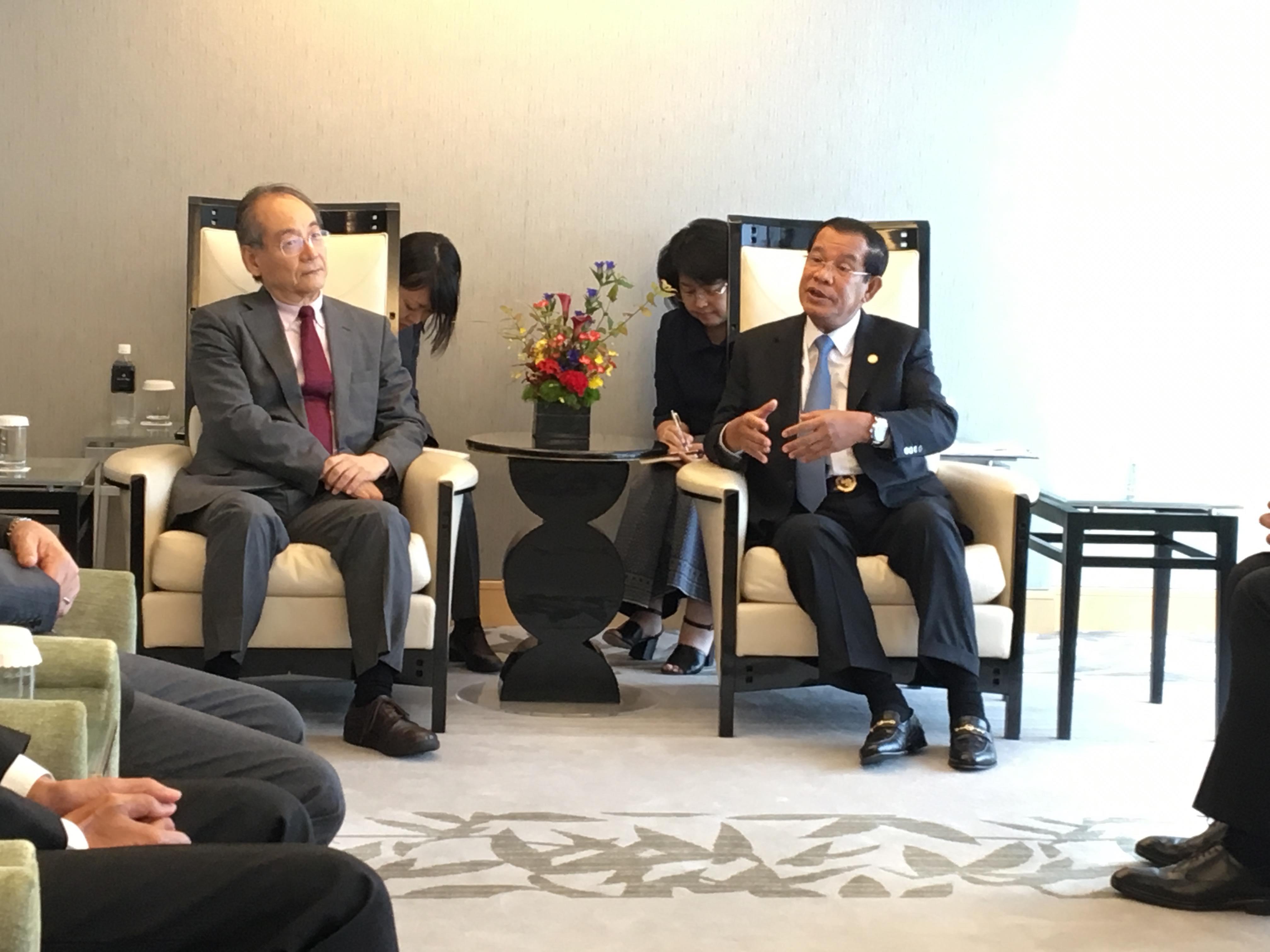 フン・セン首相一行歓迎昼食会