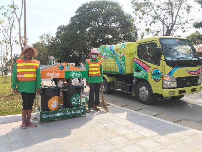 寄贈したごみ収集車がカンボジア王国で活躍しています