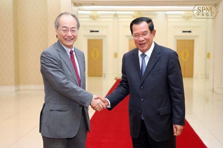フン・セン首相をはじめ3閣僚と協議