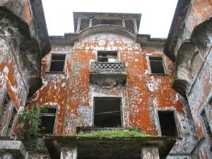 ボコールのフランスホテル廃墟1